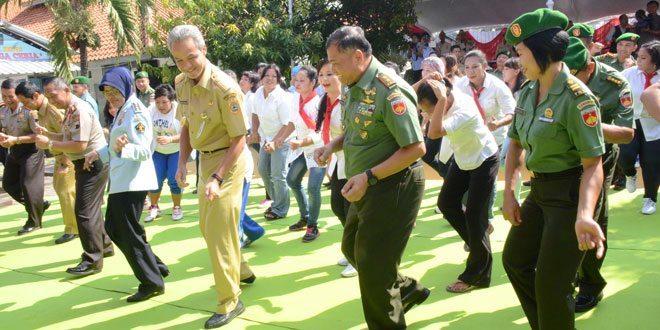 Pangdam IV/Diponegoro Hadiri Peringatan Kemerdekaan RI Di Lapas Klas II A Wanita