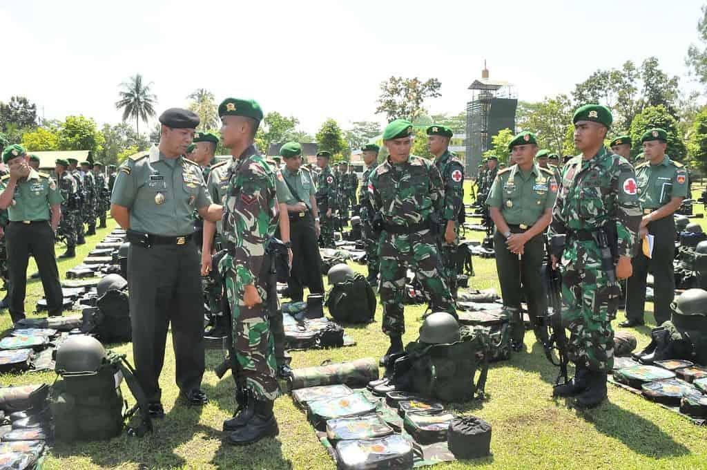 Asops Panglima TNI Cek Kesiapan Satgas Yonif 405/Sk