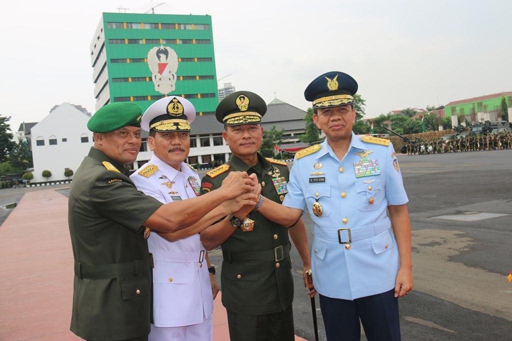 Sertijab Kepala Staf Angkatan Darat
