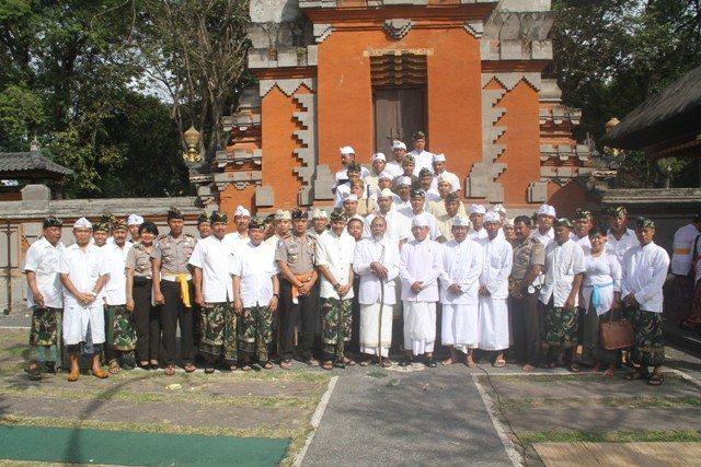 TIRTHA YATRA TNI-AD DI WILAYAH KODAM IX/UDAYANA