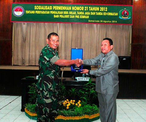 Prajurit Dan PNS Jajaran Korem 091/Asn Terima Sosialisasi Permenhan No 21 Tahun 2012