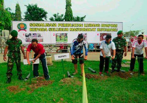 Kodim 1004/Ktb Sosialisasikan Pembuatan Lubang Biopori Kepada Masyarakat