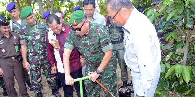 Kodam IV/Diponegoro Lounching Pembuatan Lubang Resapan Biopori