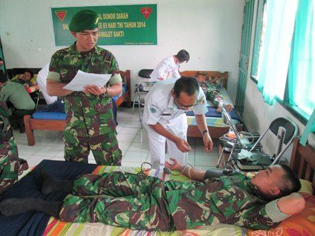 Yonif 644/Walet Sakti HUT Ke-69 TNI Dodor Darah Sukarela