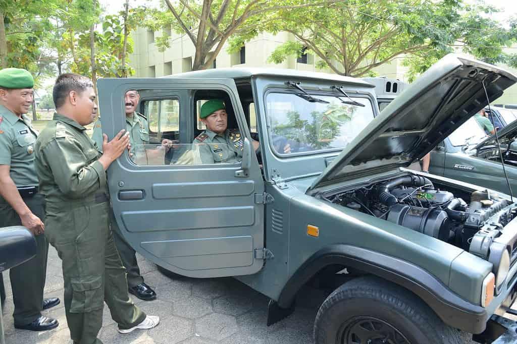 Wagub Akmil Pemeriksa Kendaraan Dinas