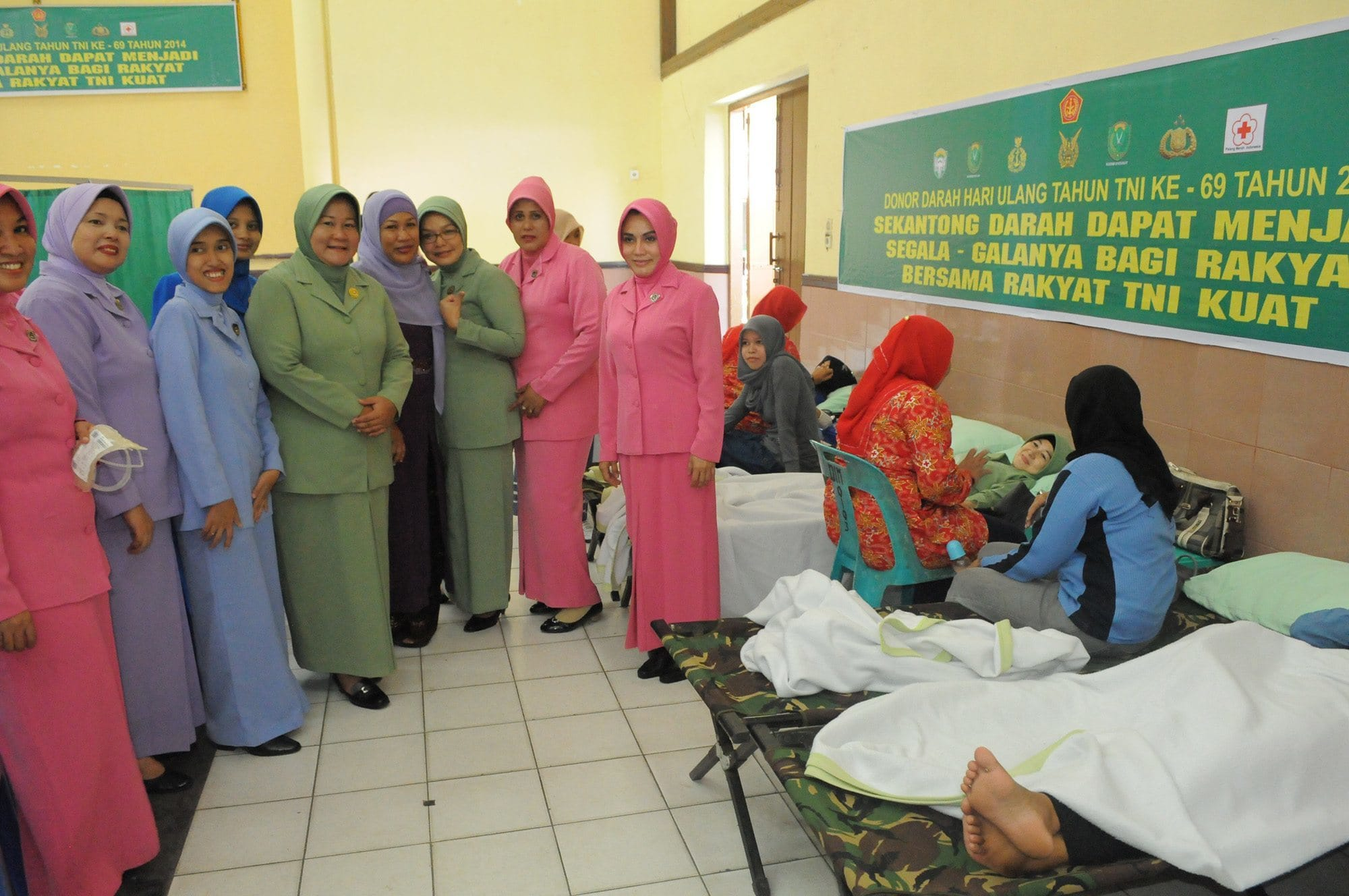 SAMBUT HUT KE-69 TNI PERSIT KCK KOORCAB REM 011 IKUT DONOR DARAH