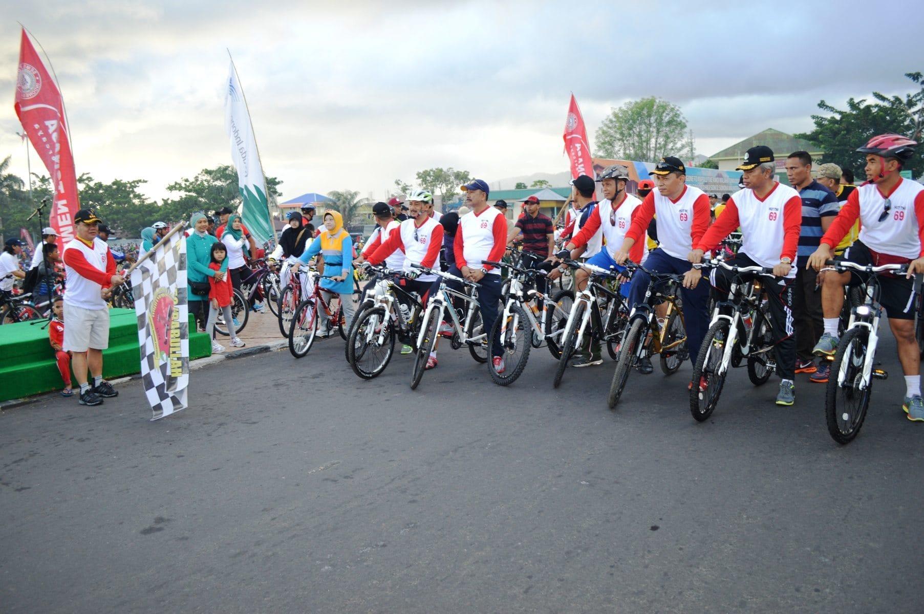 Sambut HUT TNI Ke-69 Korem 152/Babullah Gelar Fun Bike
