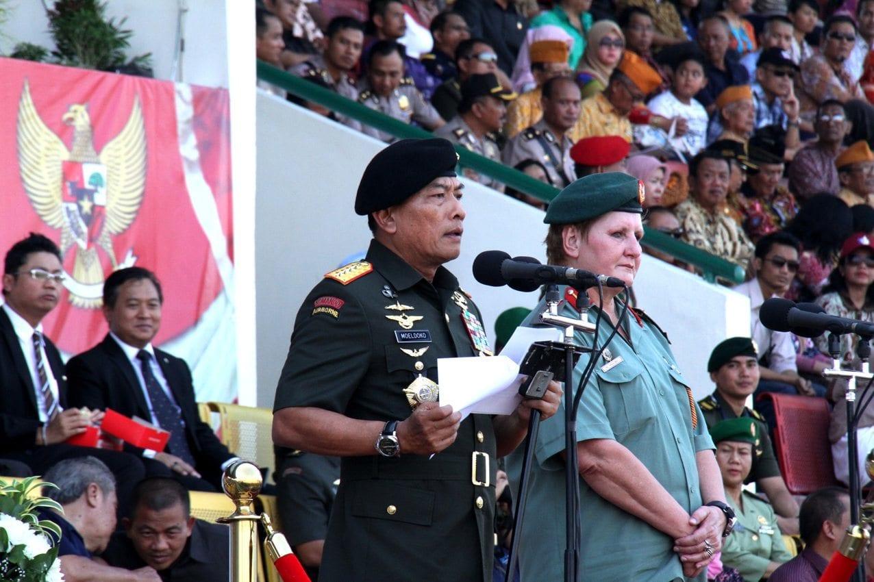 Panglima TNI buka Kejuaraan DuniaTerjun Payung Militer di Solo
