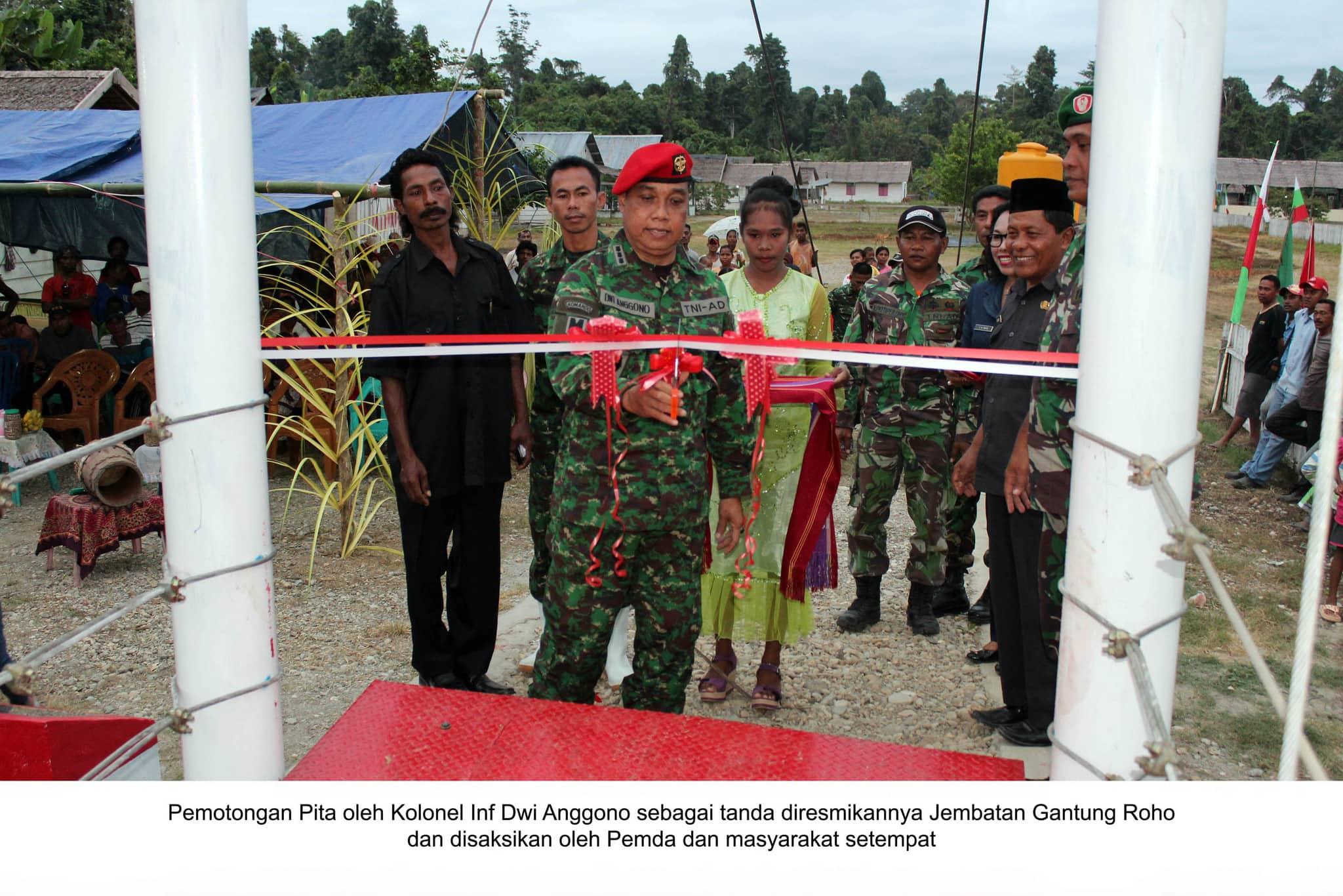 Tim Ekspedisi NKRI Koridor Maluku Dan Malut Berhasil Membangun Jembatan Gantung Yang Materialnya Diimpor Dari Luar Negeri