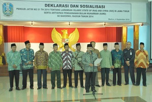 Sambutan pembukaan Deklarasi dan pengarahan serta dilanjutkan dengan Sosialisasi Pergub Jatim No 51 Tahun 2014 oleh Kepala Bakesbangpol Propinsi Jawa Timur Bapak