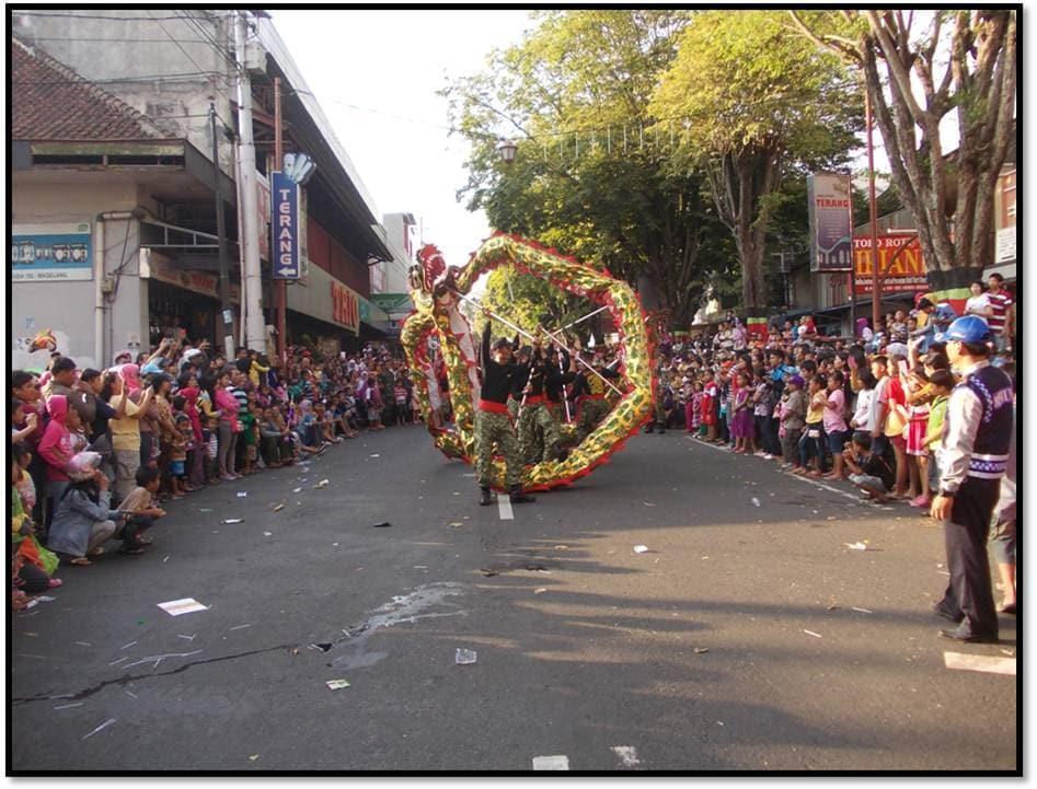 armd 11 kostrad karnaval barongsai di magelang 5-9-14.jpg 1