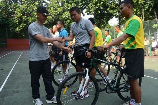pemberian sepeda
