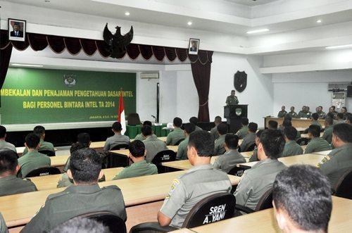 Asintel Kasdam Jaya Tutup Pembekalan dan Penajaman Intelijen