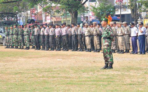 TNI SIAP MEMBANTU PENANGGULANGAN BENCANA ASAP, PEMBAKARAN HUTAN DAN LAHAN