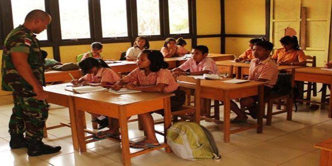 Aktivitas Pratu Harianto Pengajar di Perbatasan