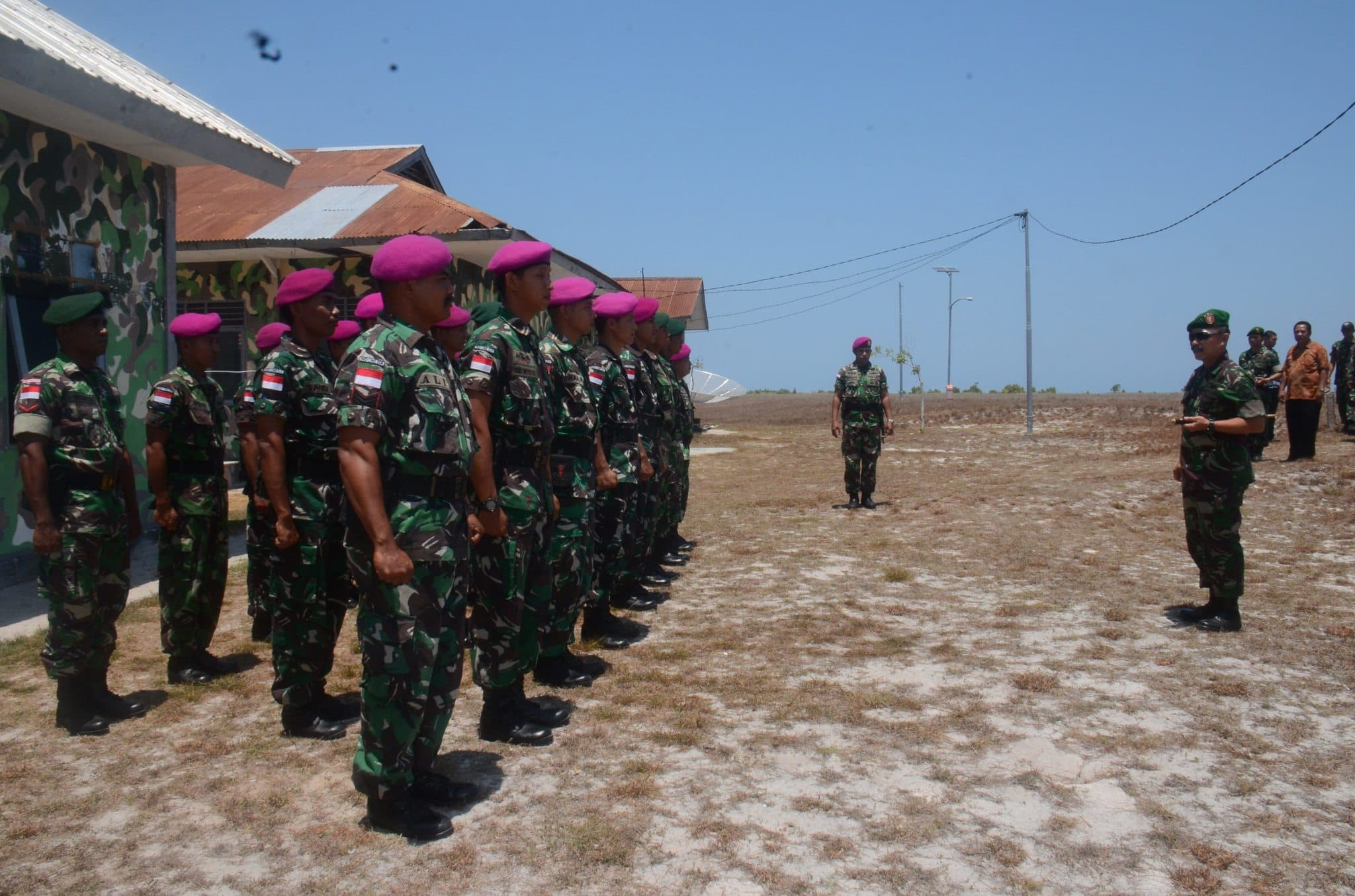 Danrem 161/Wira Sakti Selaku Dankolakops Pengamanan Pulau Terluar Tinjau Pulau Ndana Rote
