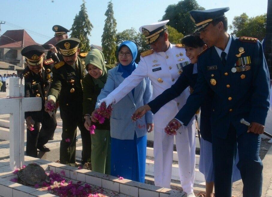ZIARAH HUT KE 69 TNI KOREM 161/WIRA SAKTI TAHUN 2014