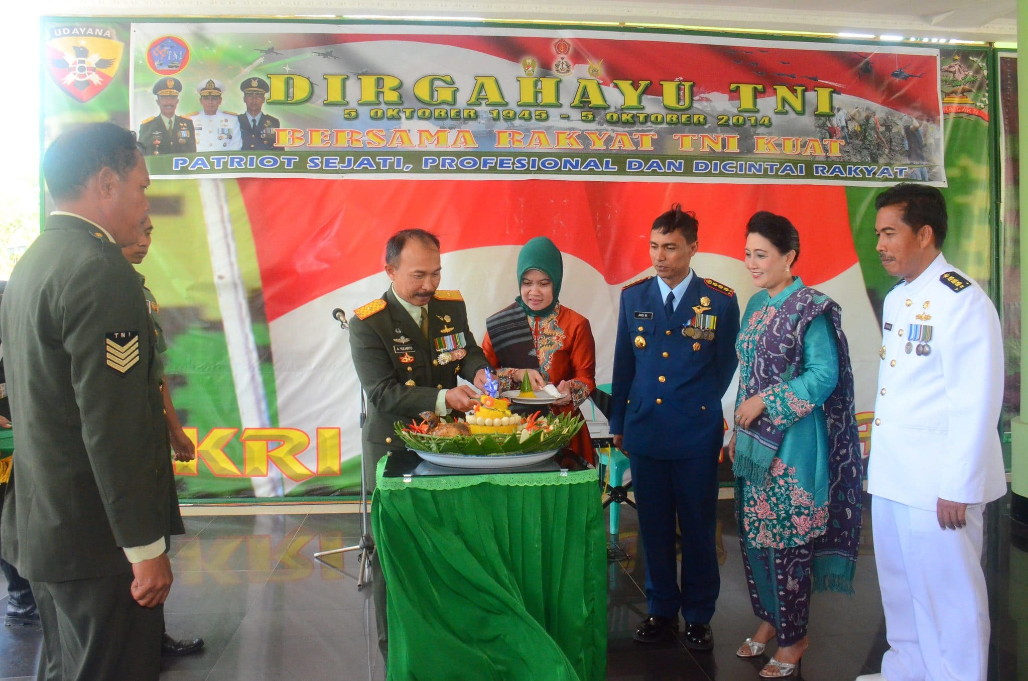 SYUKURAN HUT KE-69 TNI TAHUN 2014 DI KOREM 161/WIRA SAKTI