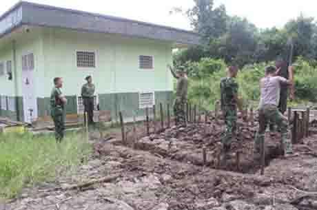 Prajurit Denkav-2/BC Pembangunan Pos Jaga