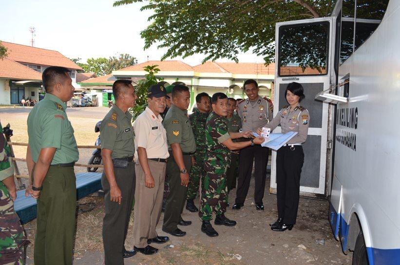Polrestabes Surabaya Buka Layanan SIM Di Korem 084/BJ