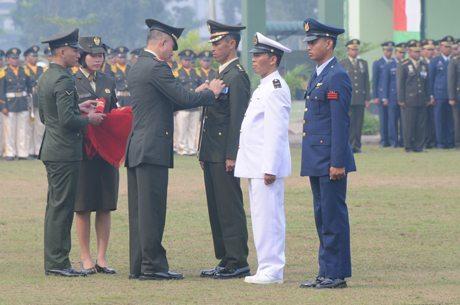 Danrem 121/Abw Pimpin Upacara Hari Jadi TNI Ke-69