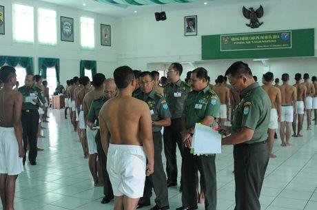 Sidang Parade Penerimaan Caba PK TNI 2014 Panda XII/Tanjungpura