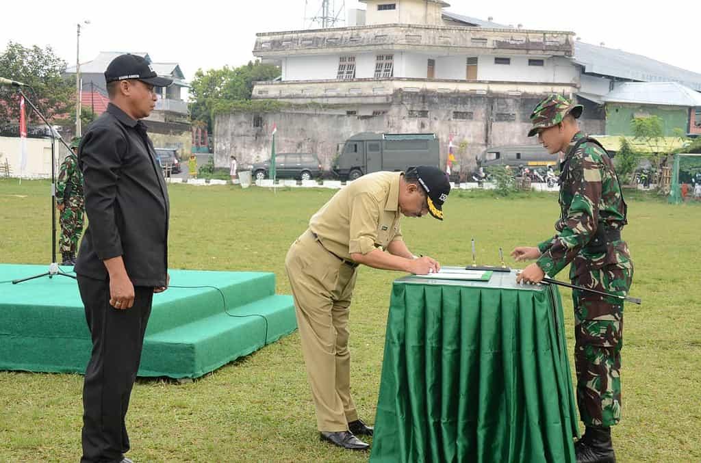 UPACARA PENUTUPAN TNI MANUNGGAL MEMBANGUN DESA (TMMD) KE - 93 TA. 2014