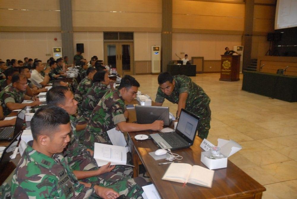 SOSIALISASI SISFODATALOG DAN INPUT DATALOG TNI AD TA 2014 DI MAKOSTRAD