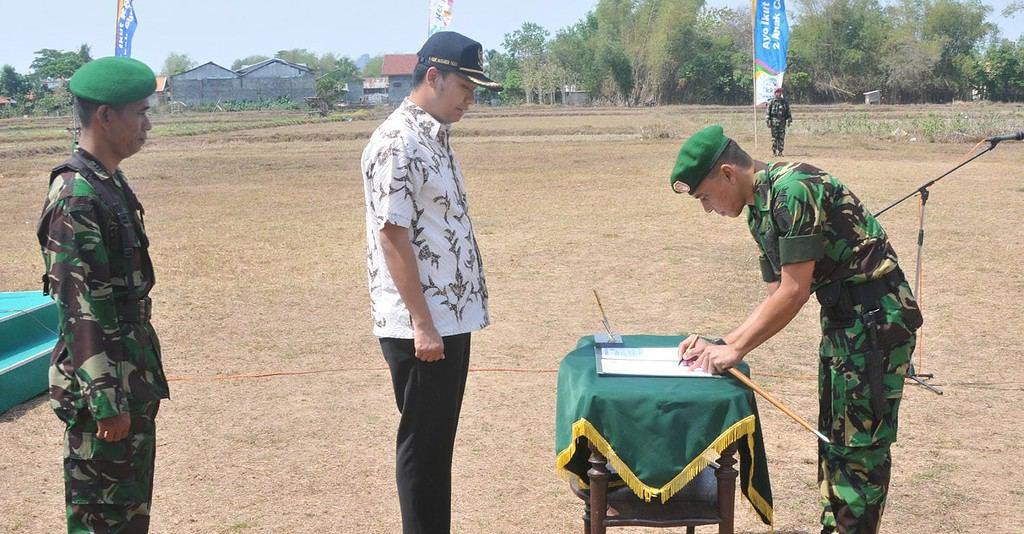 Dalam Penutupan TMMD ke-93, Gubernur : Masyarakat Jawa Timur Lebih Sejahtera, Berkeadilan, Mandiri, Berdaya Saing & Berakhlak