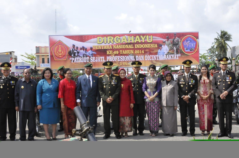 UPACARA PERINGATAN HARI JADI TNI KE-69 TAHUN 2014