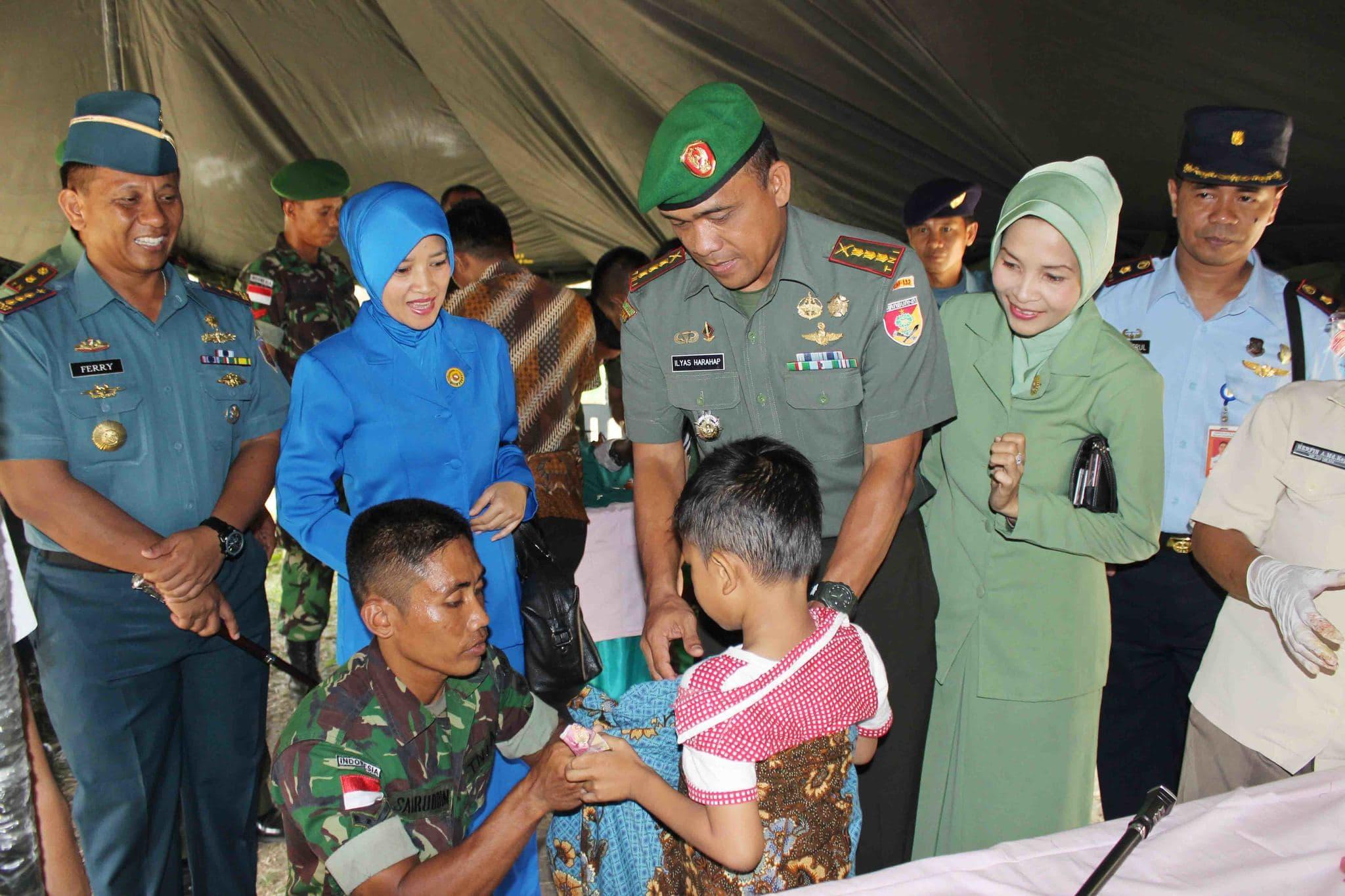 Menyambut HUT TNI Ke-69, Korem 132/Tdl Laksanakan Bakti Sosial Kesehatan