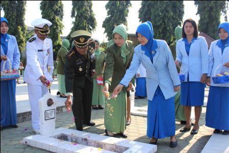 ZIARAH HUT KE 69 TNI, KOREM 132/TADULAKO TAHUN 2014