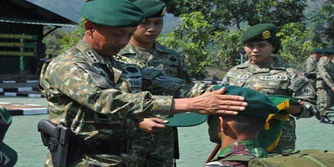 808 Prajurit Ikuti Tradisi Korps Pembaretan Masuk Satuan Kostrad