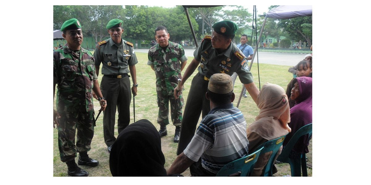 DANREM 011/LW MEMBUKA KEGIATAN BHAKTI SOSIAL PENGOBATAN MASSAL DALAM RANGKA HUT KE 69 TNI TA. 2014