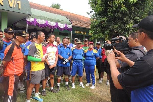 1. Komandan Korem, para Kasirem dan para Kabalak saat wawan cara dengan wartawan