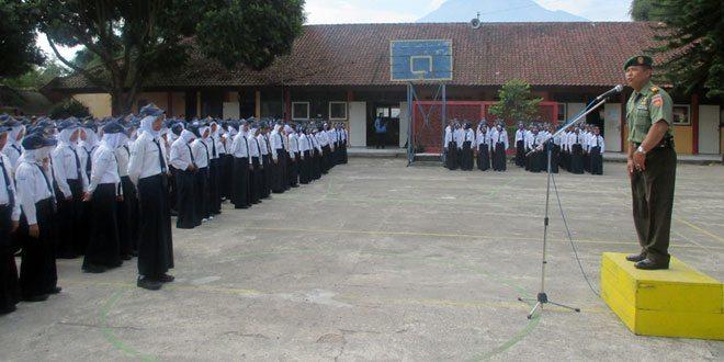 Korarmil Parakan Tanamkan Kedisiplinan Siswa SMP N 1 Bansari