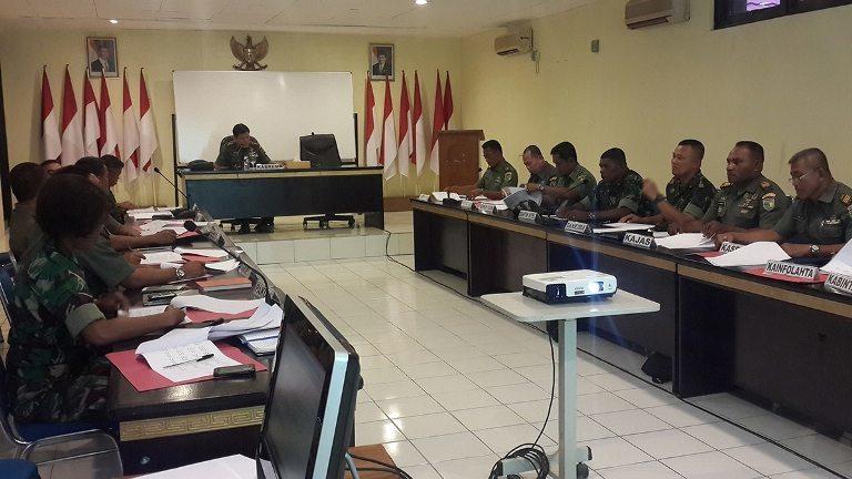 Kasrem 172/PWY Pimpin Sidang UKP Periode 1 April 2015