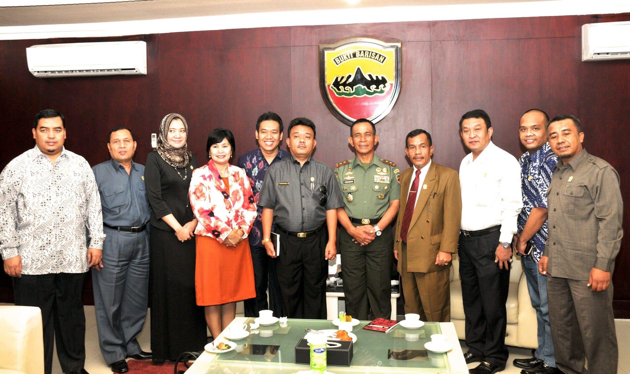 Pangdam I/BB Mayor Jenderal TNI Winston P. Simanjutak, S.I.P., M.Si. Menerima Audiensi Ketua Komisi A DPRD Provsu Tony Togatorop, SE.