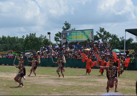 Pesta Seni dan Budaya Karapan Sapi Lapangan Brigif 19/Khatulistiwa