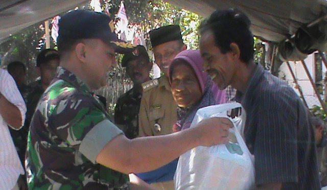 Dandim 0107/Asel Serankan Bantuan Korban Banjir Labuhan Haji Tengah