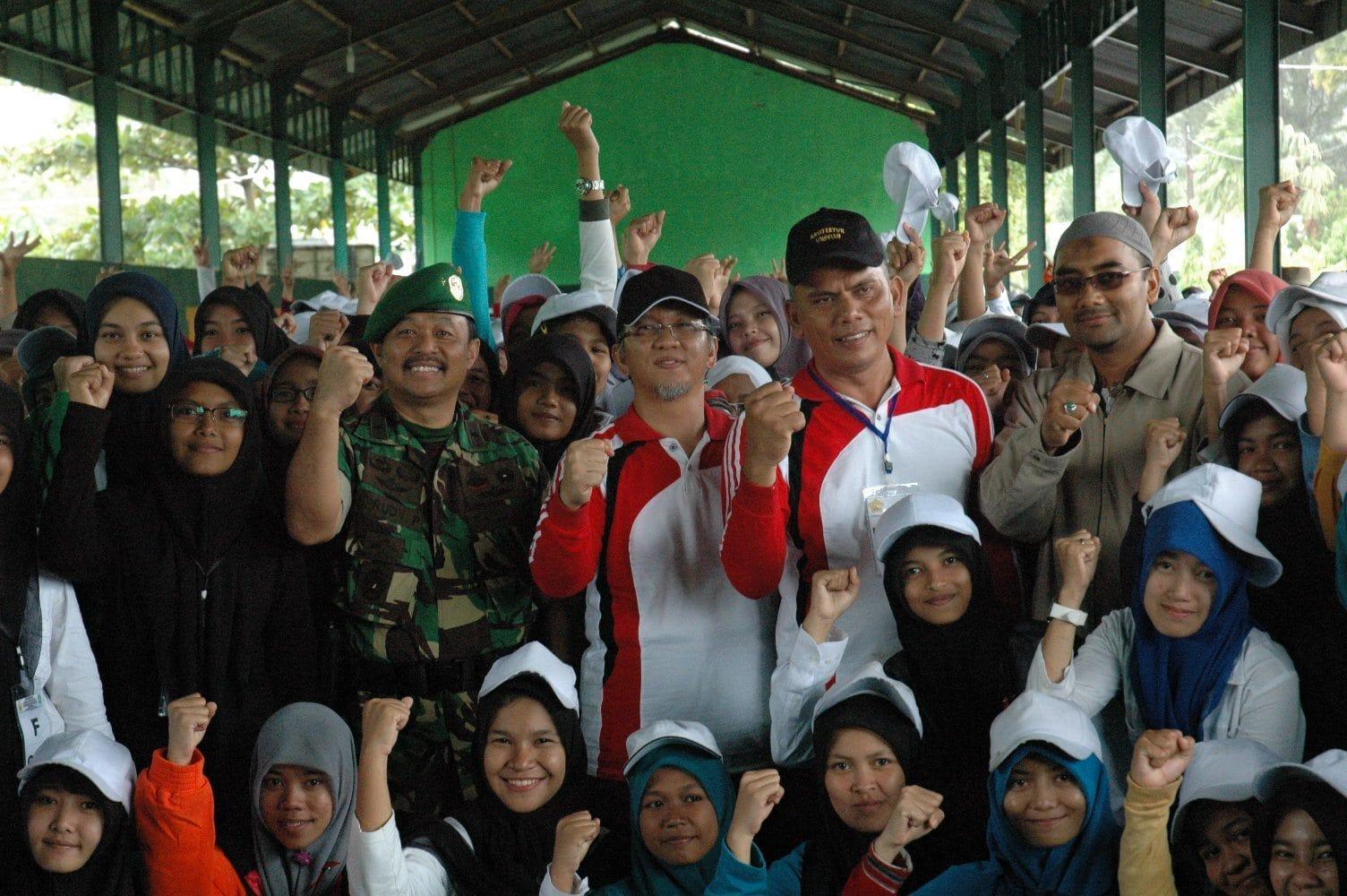 Kasdam IM Tutup Latihan Bela Negara Mahasiswa Unsiyah