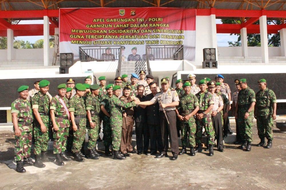 APEL GABUNGAN TNI DAN POLRI JALIN SOLIDARITAS DAN SINERGISITAS DI KABUPATEN LAHAT