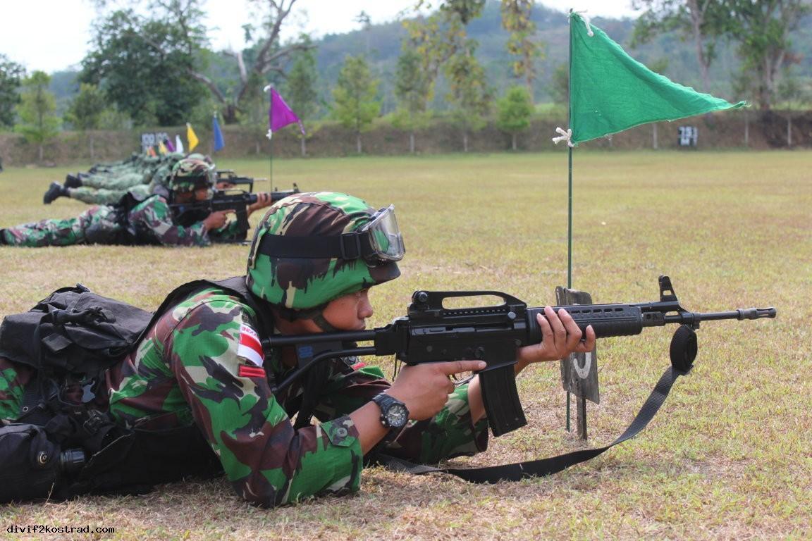 Latihan Menembak TNI AD & SAF 7-11-14.jpg 2