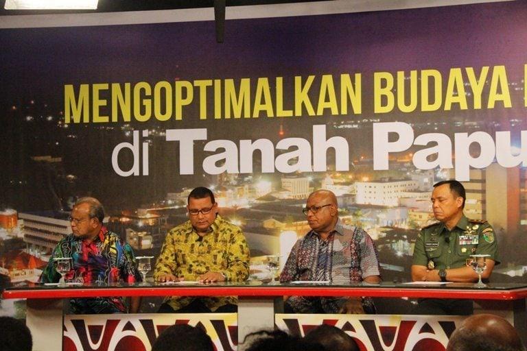 Talk Show Pangdam XVII/Cenderawasih : Mengoptimalkan Budaya Damai di Tanah Papua
