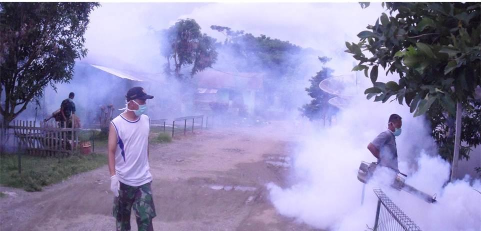 Tim Kesehatan Yonif 113/Jaya Sakti Fogging Asrama
