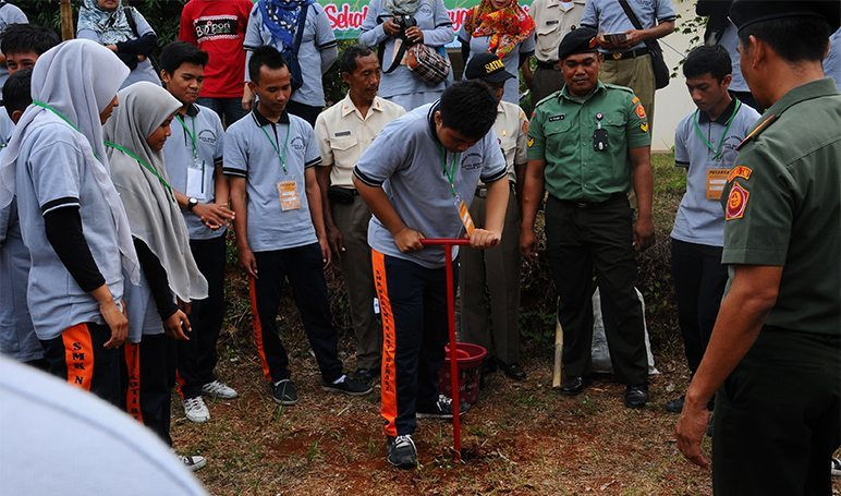350 Siswa dan Guru Kota Bekasi ikuti Pelatihan Biopori di Mabes TNI