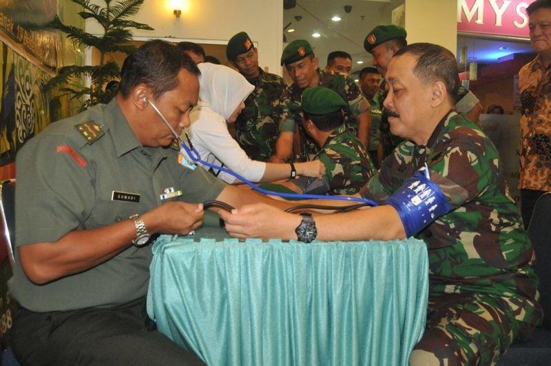 HJK Ke-69 dan Hari Bela Negara Kodam XII/Tanjungpura Gelar Donor Darah di Mall Pontianak