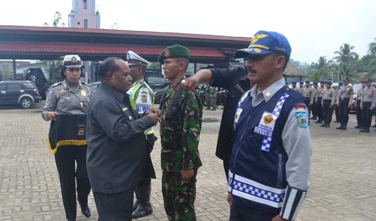 Kodim 1704/Sorong Terlibat Gelar Pasukan Dalam Rangka Operasi Lilin Bersama Polresta Sorong