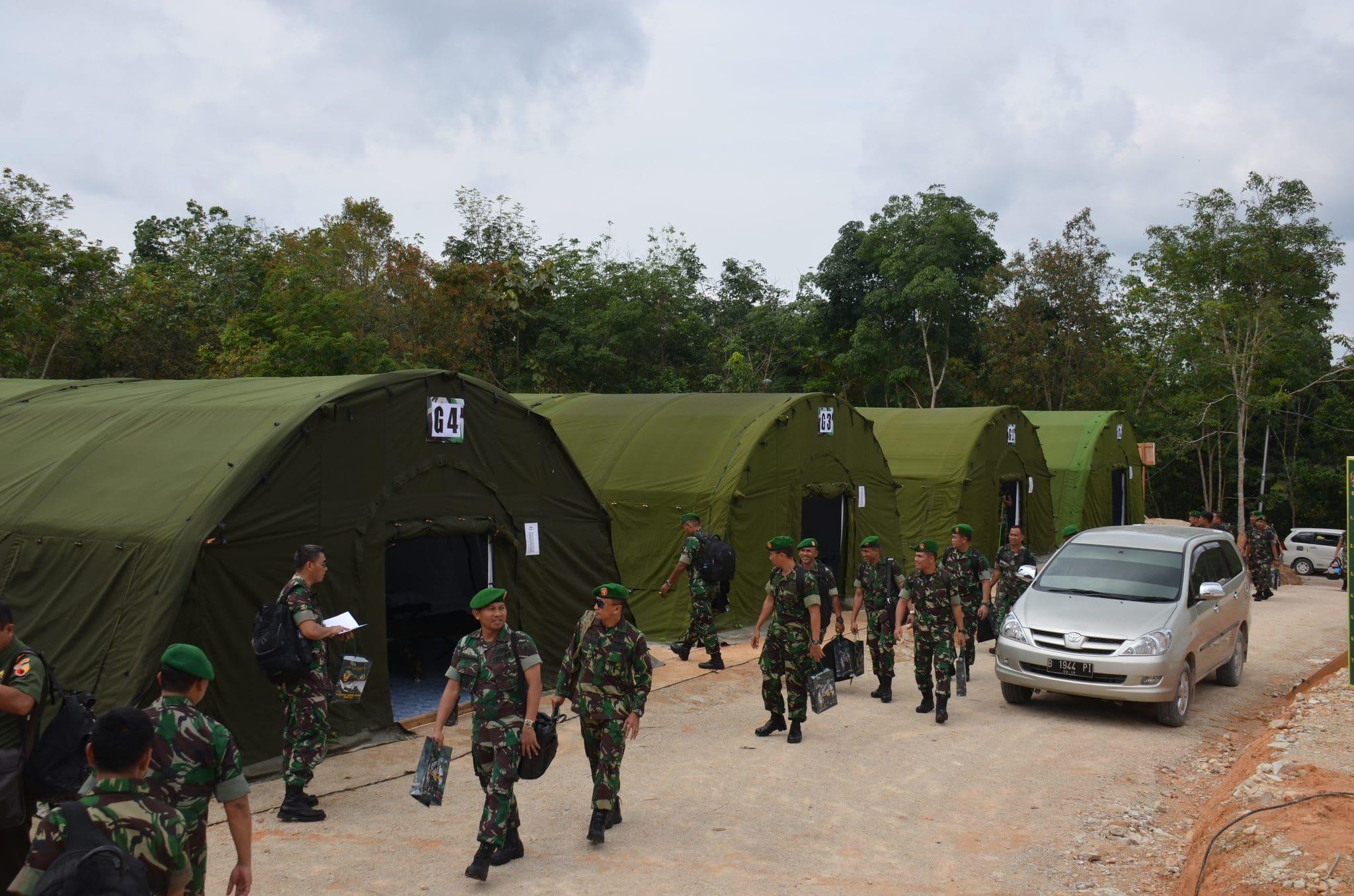 TNI AD GELAR APEL DANREM DANDIM TERPUSAT 2014 DI PANGKALAN BUN KALTENG