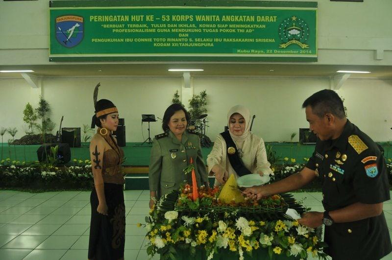 Hari Jadi Ke-53 Kowad Kodam XII/Tanjungpura Adakan Syukuran dan Pengukuhan Ibu Raksa Karini Sri Sena